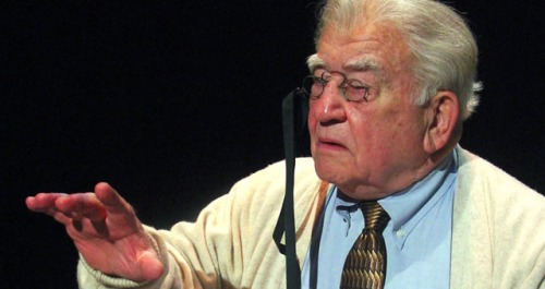"Ed Asner starring in ""FDR"" comes to Higley Center for the Performing Arts later this month"